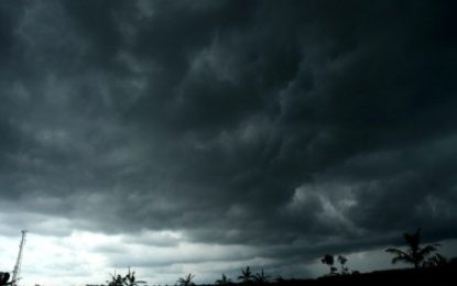 Masuk Musim Angin Utara, BMKG Himbau Waspadai Hujan dan Gelombang Tinggi