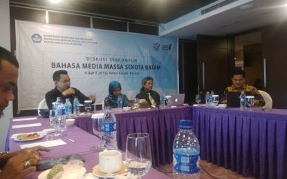Kantor Bahasa dan PWI Kepri Gelar Diskusi Terpumpun Bahasa Media Massa
