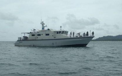 Danlanal Ranai Pantau Kapal Yacht Sail To Natuna