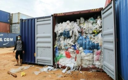Bea Cukai Jawa Timur Kembalikan 210 Ton Sampah ke Australia
