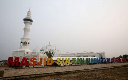 Rudi Ajak Warga Peringati Maulid Nabi di Masjid Sultan Mahmud Riayat Syah