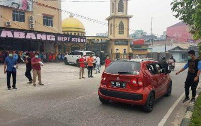 Anggota DPRD Kabupaten Bengkalis Giyatno, Bagikan Ribuan Masker kepada Masyarakat Kota Duri