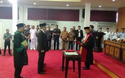 Ketua dan Wakil Ketua DPRD Karimun Bacakan Sumpah Jabatan