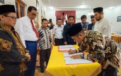 Bupati Bengkalis dan KPU Provinsi Riau Tandatangani Dana Hibah Pilkada 2020