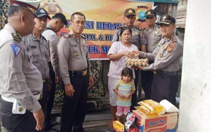 Polsek Mandau Bagikan Sembako kepada Warga Kurang Mampu di Kelurahan Air Jamban