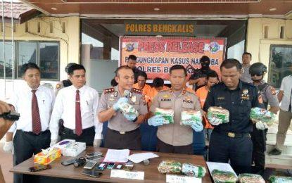 Polres Bengkalis Amankan 10 Kilogram Sabu dan 5 Orang Tersangka