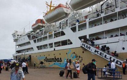 Docking Usai, KM Kelud Kembali Angkut Penumpang