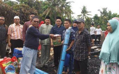 Kementerian Sosial Serahkan Bantuan bagi Korban Kebakaran di Pematang Pudu
