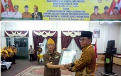 Bupati Suyatno Terima Anugerah Tanda Kehormatan Bintang Legiun