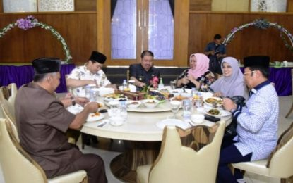 Bupati Bengkalis Sambut Komisi V DPRD Riau dengan Makan Siang