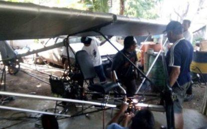 Warga Sulawesi Selatan Sukses Terbangkan Pesawat Rakitannya