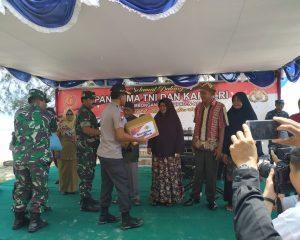 Panglima TNI dan Kapolri Bhakti Sosial di Natuna