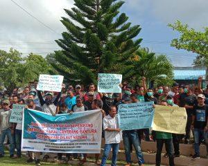 Tolak Cantrang, Nelayan Natuna Demo di Kantor Dewan