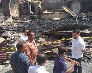 Kebakaran Landa Kawasan Padat Penduduk di Jalan Mulia, Kerugian Ditaksir Ratusan Juta Rupiah