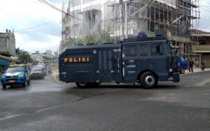 Bersinergi, TNI/Polri dan Pemda Semprotkan Disinfektan Cegah Covid-19