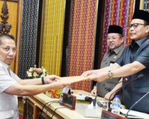 Tujuh Fraksi DPRD Serahkan Pandangan Umum terkait LKPJ Bupati