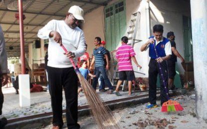 Rafiq Pimpin Gotong Royong di Gereja Katolik Santo Joseph