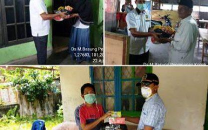 Pelda (Purn) Giyatno Bagikan Paket Sembako kepada Warga Terdampak COVID-19