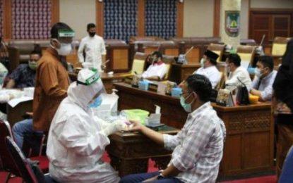 Anggota DPRD Batam Jalani Rapid Test