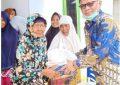 Wakili Chairul Anwar, Khairul Umam Distribusikan Ratusan Sembako ke Bengkalis