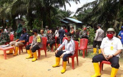 Korban Banjir di Desa Jumrah dan Simpang Kanan Terima Bantuan Sembako