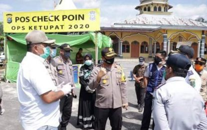 Hari Kedua PSBB, Bupati Siak Tinjau Pos Check Point di Sabak Auh