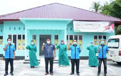 Ketua Komisi IV Serahkan Bantuan APD ke Puskesmas