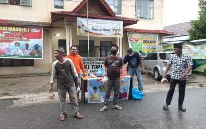 Pokmas dan RT di Duri Timur bagikan Ratusan Takjil
