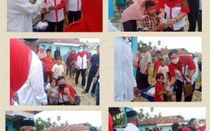 Berkah Ramadan, LSM LIRA Riau Bagikan Takjil pada Pengendara dan Panti Asuhan