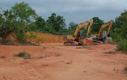 Tanah Urug di Bukit Tembak Karimun Diduga Tak Miliki Izin