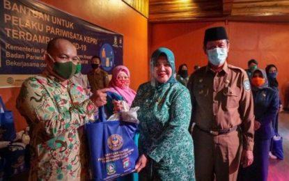 1.057 Paket Sembako untuk Pelaku Wisata di Tanjungpinang