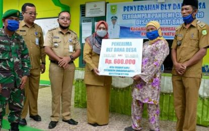 Serahkan Dana Desa, Wakil Bupati Natuna : Tetap Patuhi Protokol Kesehatan