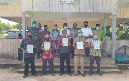 Wakil Bupati Lingga Hadiri Penyerahan Sertifikat Tanah Warga Linau oleh PT SSLP