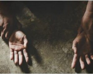 Tega! Siswi SMP Diperkosa Ramai-ramai di Kebun Karet