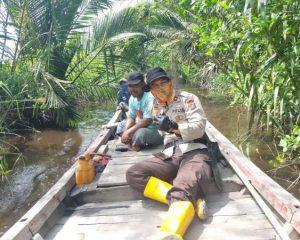Hadapi MusimBanjir, Polsek Bangko Patroli Cek Pendangkalan Sungai