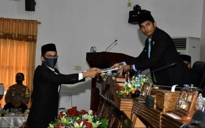 Anggota DPRD Natuna Serahkan Hasil Reses I Kepada Pimpinan