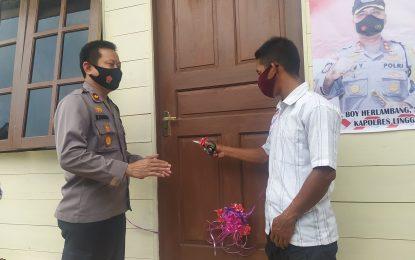 Waka Polres Lingga Resmikan Rumah Layak Huni Warga Desa Merawang