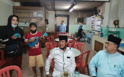 """Nyanyikan Lagu """"Tentang Rindu"""" bersama Isdianto,Penyanyi Jalanan: Kami Rindu Pemimpin yang Mengayomi Rakyatnya"""