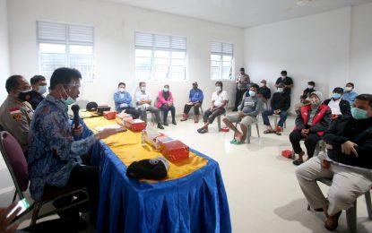 Pemilik Tongkang dan Warga Tanjung Uma Mediasi Bahas Ganti Rugi
